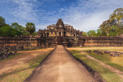 Stadtzentrum von Siem Reap, Kambodscha Das Baphuon ist ein Tempel in Angkor Thom der Haupteingang Lizenzfreies Stockbild