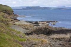 Staffa, eine Insel des inneren Hebrides in Argyll und hochgebogene Hinterkante, Schottland Lizenzfreies Stockbild