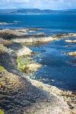 Staffa, eine Insel des inneren Hebrides in Argyll und hochgebogene Hinterkante, Schottland Stockbild