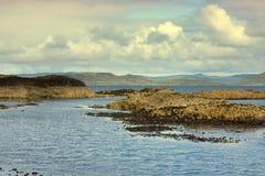 Staffa, eine Insel des inneren Hebrides in Argyll und hochgebogene Hinterkante, Schottland Lizenzfreie Stockfotografie