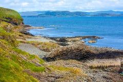 Staffa, eine Insel des inneren Hebrides in Argyll und hochgebogene Hinterkante, Schottland Stockfotos