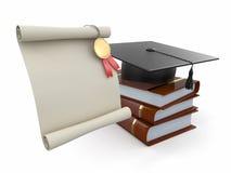 Staffelung. Mortarboard, Diplom und Bücher. Lizenzfreies Stockbild