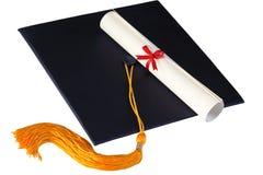 Staffelung-Schutzkappe und Diplom Stockfotos