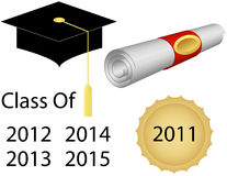 Staffelung-Schutzkappe und Diplom Lizenzfreies Stockfoto