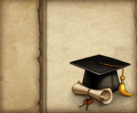 Staffelungschutzkappe und -diplom Stockfoto