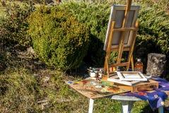 Staffli och och konstnärutrustninguppsättning Royaltyfria Bilder