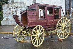 Historic Stage Coach at the Capitol Building in Salem, Oregon. This is a stage coach used in the 1800s parked in front of the state capitol building in Salem Stock Photos