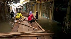 Stagione di monsone in Ayuttaya, Tailandia 2011 fotografie stock libere da diritti