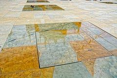 Stagni dello specchio del quadrato della trinit?, Kingston Upon Hull, Regno Unito fotografie stock libere da diritti