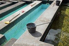 Stagni di piscicoltura e della sua strumentazione Fotografie Stock Libere da Diritti