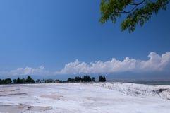 Stagni e terrazzi naturali del travertino a Pamukkale, Turke Fotografia Stock Libera da Diritti
