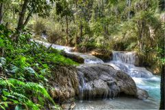 Stagno blu a Kuang Si Waterfalls Immagine Stock Libera da Diritti