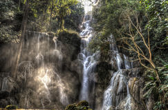 Stagno blu a Kuang Si Waterfalls Fotografia Stock