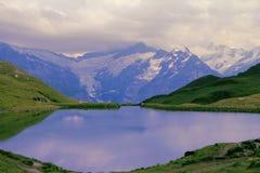 Stagno calmo. Montagna di Eiger. Fotografie Stock Libere da Diritti