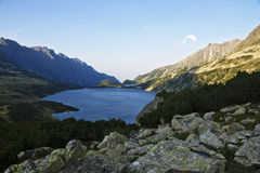 Stagno della valle cinque di Tatra. Immagini Stock Libere da Diritti
