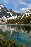 Stagno di Morskie Oko in montagne polacche di Tatra Fotografia Stock
