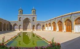 Stagno di Nasir al-Mulk Mosque Fotografia Stock Libera da Diritti