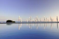 Stagno di nuotata di estate di tramonto Fotografia Stock