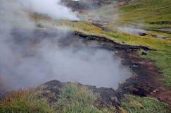 Stagno e sorgenti di acqua calda del fango in Hveragerdi Fotografia Stock Libera da Diritti