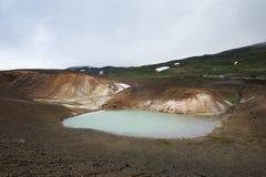 Stagno tossico accanto al cratere famoso di Viti, Krafla, Islanda Fotografia Stock Libera da Diritti