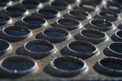Stahl mit runden Löchern Stockfoto