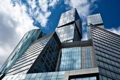 Stahl- und Glasgeometrie Stockfotografie