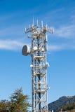 Stahlantennenmast für Telekommunikation und Sendung lizenzfreies stockbild