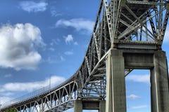 Stahlbrücke lizenzfreie stockfotos