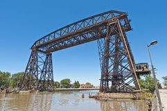 Stahlbrücke Nicolas-Avellaneda über Riachuelo lizenzfreie stockfotos