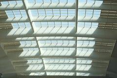 Stahldecke der Bahnhofs-Architektur Stockfotografie