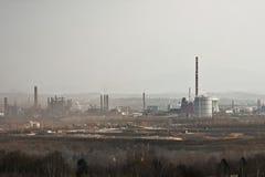Stahlfabrik, die Verunreinigung ausstrahlt Stockbild