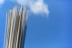 Stahlgestänge im Himmel Stockfoto
