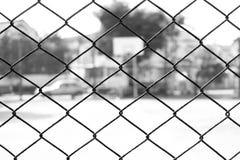 Stahlkäfig Schwarzweiss stockbild