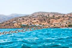 Stahlkette auf dem Segelboot Stockfotografie