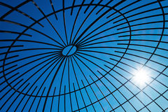 Stahlträger mit Sonneneruption Stockfotos