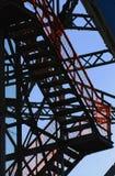 Stahltreppenhaus lizenzfreie stockfotos