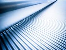 Stahlwand und ein Gefäß Lizenzfreie Stockbilder