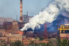 Stahlwerk, Metallurgieanlage Schwerindustriefabrik stockbild