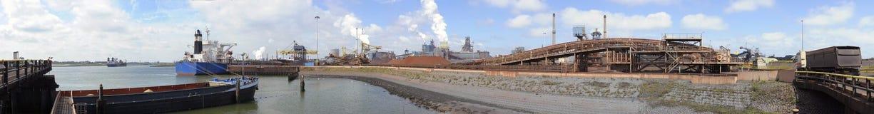 Stahlwerkaktivität Lizenzfreie Stockfotos