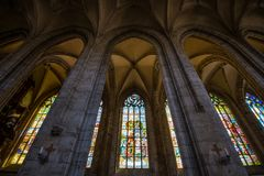 Stained-glass παράθυρο, εκκλησία Αγίου Barbara σε Kutna Hora Στοκ Εικόνα