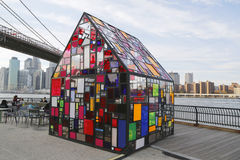 Stained glass sculpture by Tom Fruin under Brooklyn Bridge Stock Photography