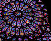 Stained-glass van het Notre Dame de Paris venster Royalty-vrije Stock Afbeeldingen