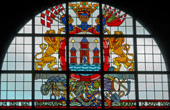 Stained-glass venster met wapenschild Royalty-vrije Stock Foto's