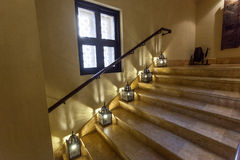 Staircasae med orientaliska lampor Royaltyfri Fotografi