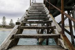 Free Stairs On The Side Of Port Noarlunga Jetty For Snorkling, Scuba Stock Photo - 124522480
