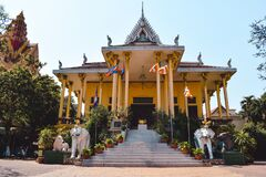 Free Stairs To Golden Temple Of Wat Ounnalom In Phnom Peng Cambodia Stock Photos - 183791793