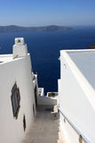 Stairway estreito ao mar foto de stock royalty free