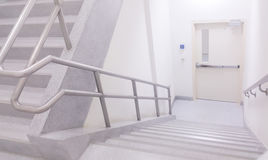 Stairwell στον ανώτερο υπάλληλο Στοκ φωτογραφία με δικαίωμα ελεύθερης χρήσης