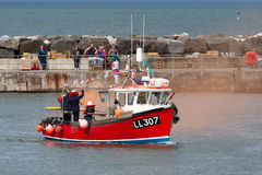 STAITHES, NORTH YORKSHIRE/UK - AUGUST 21 : RNLI rescue demonstra Royalty Free Stock Photo
