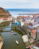 Staithes Yorkshire Inglaterra Reino Unido foto de stock royalty free